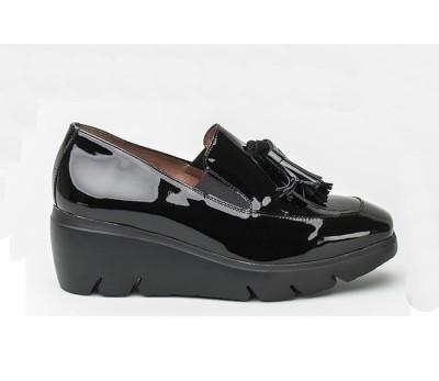 f12e70330f8 Zapato mujer charol negro elásticos borlas - Mocasines y Nauticos ...