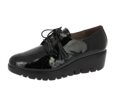 aeb51931d3610 Zapato abotinado mujer charol negro cordones - Blucher Cordones ...