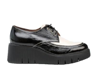 Zapato abotinado piel lack negro/blanco cordones