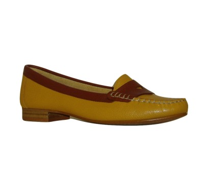 Zapato mocasín mujer piel karabú antifaz sol