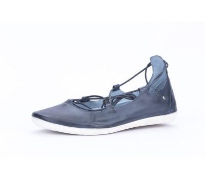 Zapato mujer abotinado piel azul cordon