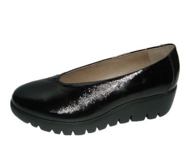 Zapato mujer piel lack negro cuña
