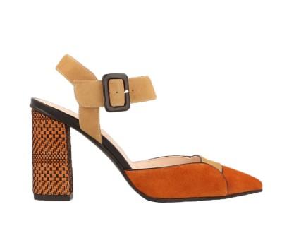 Zapato destalonado combina ante teja/camel tacón