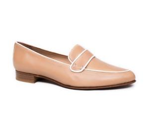Zapato mujer piel seta camel plano