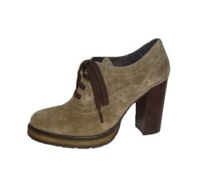 Zapato abotinado mujer ante taupe tacón alto