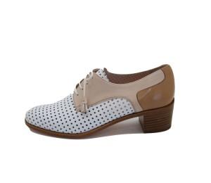 Zapato abotinado mujer piel troquelada blanco/nude