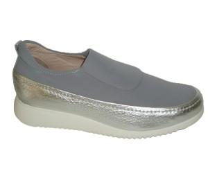 Zapato Tecnológico abotinado de licra gris y piel metalizada al tono piso corrido Confort Light